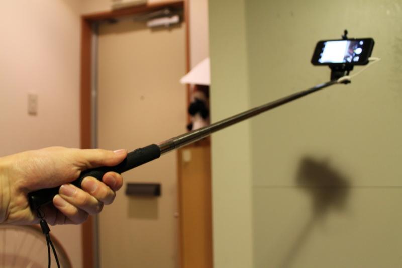 iPhoneに自撮り棒をつけると超楽しい!おすすめの自撮り棒を紹介します!