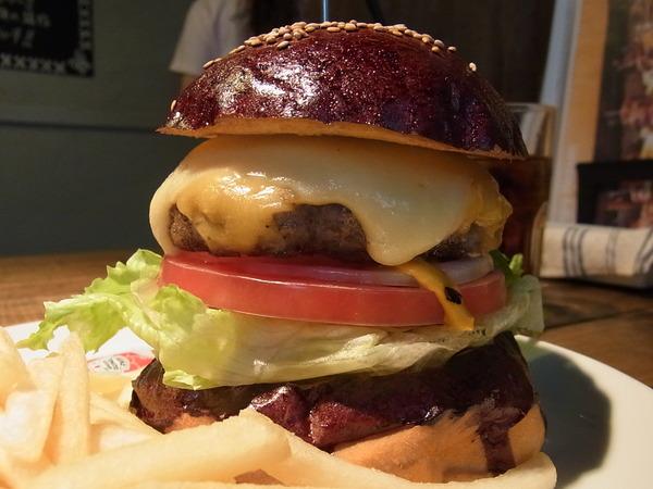【目黒でランチ】ハンバーガーを食べるなら「ハングリー ヘブン」| 食べログ3.5越え