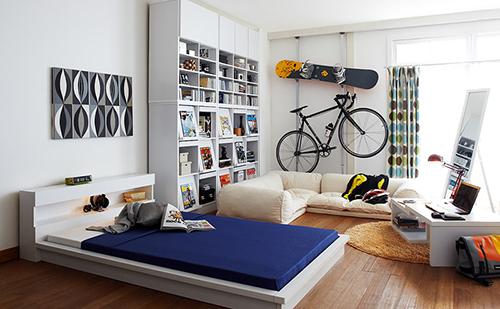 縦置きスタンド「MINOURA DS-2100 TANCHO」を買って自転車を部屋に置いたんだけど圧迫感がすごいことになった