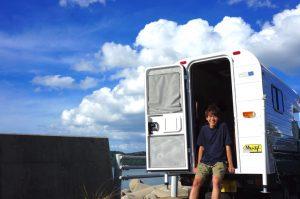 早稲田大学卒23歳のプロブロガー、キャンピングカーでの移動をスタート