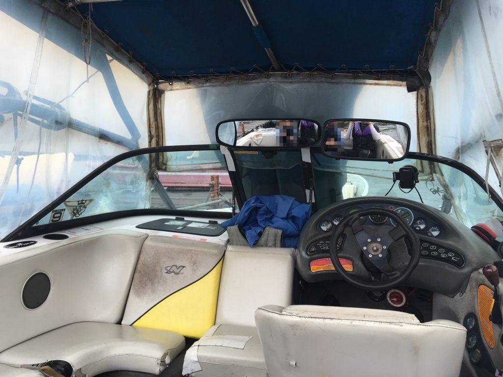 フライボード体験まで移動するボート