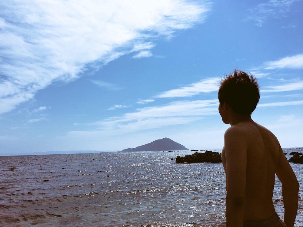 福岡県糸島市の海にて