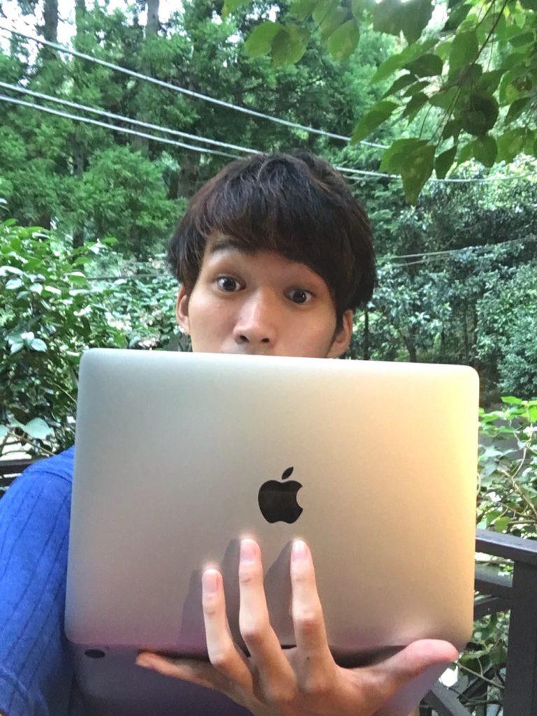 【超ハッピー】荷物を軽量化するために、MacBookを購入しました💻【すごく嬉しい】