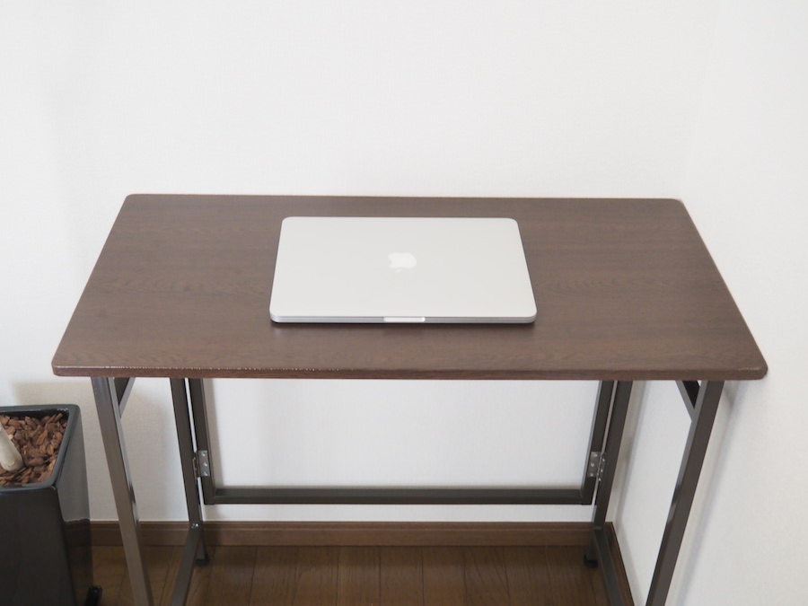 新居に「パソコンしか置けない小さなデスク」を買いました